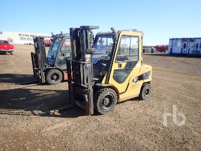 CAT 2PD6000 Pneumatic Forklift