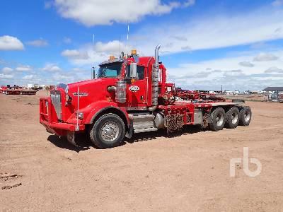 2015 KENWORTH T800 Tri Drive Winch Tractor