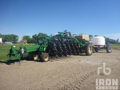 2017 GREAT PLAINS YP1225A-2315 12 Row 30 In. Planter