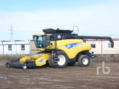 2010 NEW HOLLAND CR9080 Combine