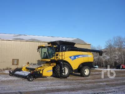 2012 NEW HOLLAND CX8080 Combine