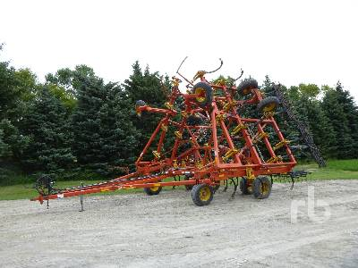 1999 BOURGAULT 9400 40 Ft Cultivator