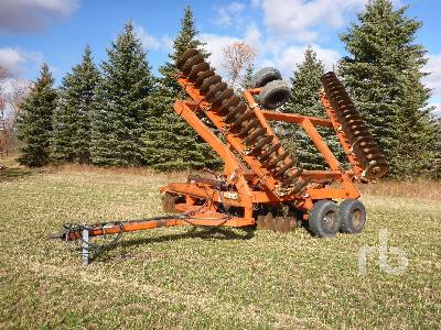 ALLIS-CHALMERS 3400 28 Ft Tandem Disc