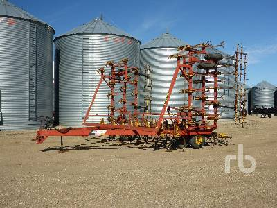 BOURGAULT COMMANDER 36-40 40 Ft Cultivator