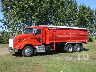 2005 KENWORTH T800 T/A Grain Truck