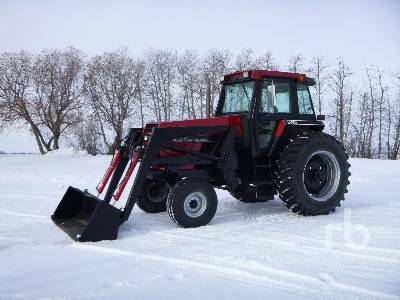 1986 CASE IH 2096 2WD Tractor