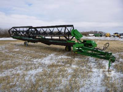 1990 JOHN DEERE 590 36 Ft Pull Type Swather