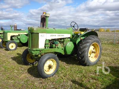 1960 JOHN DEERE 630 2WD Antique Tractor