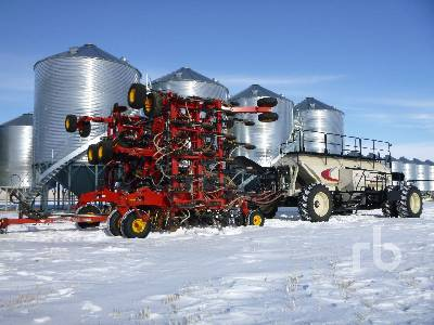 2014 BOURGAULT 3320PHD QDA 68 Ft Air Drill