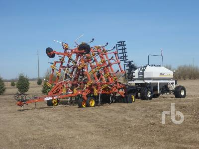 2000 BOURGAULT 5710-34 34 Ft Air Drill