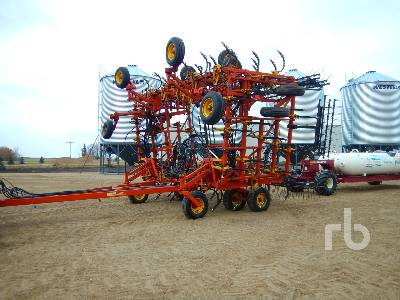 1993 BOURGAULT 8800 52 Ft Cultivator