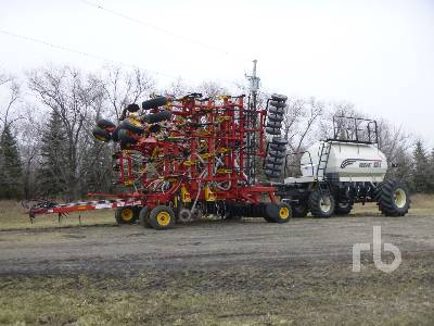 2005 BOURGAULT 5710 SERIES II 47 Ft Air Drill