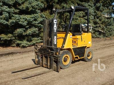 CAT V40 Forklift