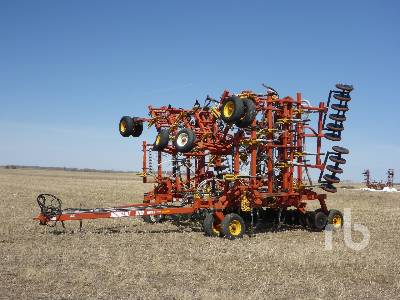 2002 BOURGAULT 5710 SERIES II 50 Ft Air Drill