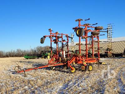 BOURGAULT 9200 40 Ft Cultivator