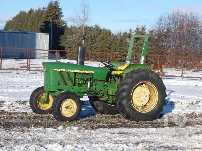 JOHN DEERE 1120 Utility Tractor