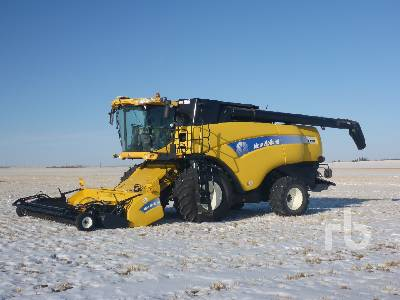 2009 NEW HOLLAND CX8090 Combine