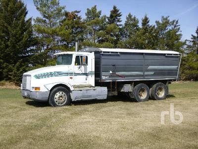 1992 INTERNATIONAL 9400 T/A Grain Truck