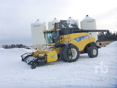 2011 NEW HOLLAND CR9090 Combine