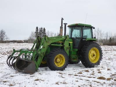 JOHN DEERE 4250 MFWD Tractor