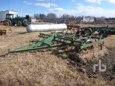 JOHN DEERE E100 12 Ft Cultivator