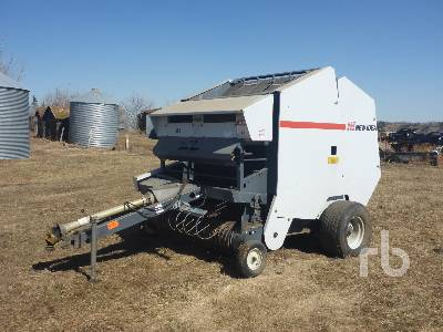 1990 NEW IDEA 486 Round Baler