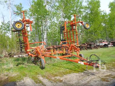 BOURGAULT 40 Ft Cultivator