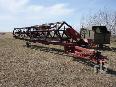 1991 MACDON 36 Ft Pull Type Swather