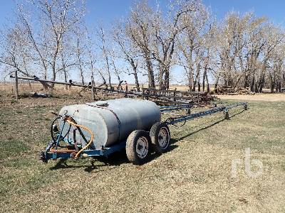 CUSTOMBUILT 70 Ft Field Sprayer