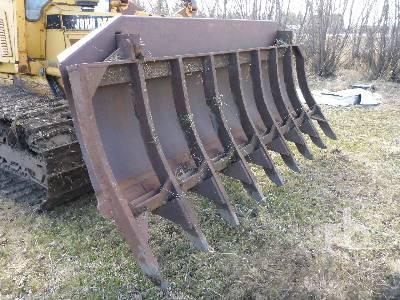 JOHN DEERE 10 Ft Brush Crawler Tractor Rake