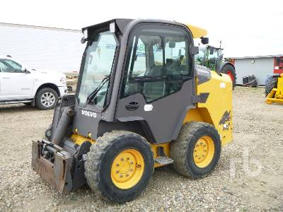 2014 VOLVO MC110C Skid Steer Loader