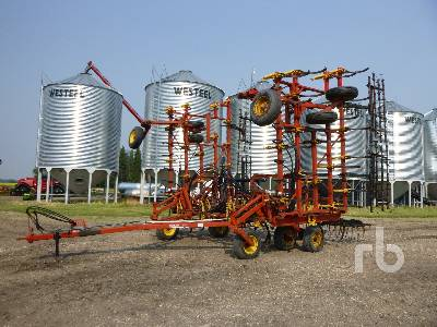 1996 BOURGAULT 8800 44 Ft Cultivator