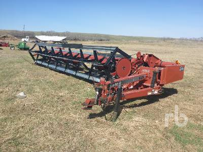 1996 CASE IH 8220 30 Ft Pull Type Swather