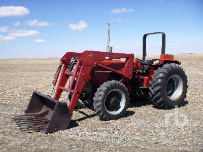 CASE IH 885 MFWD Tractor
