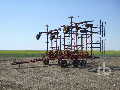 BOURGAULT 8800 42 Ft Cultivator