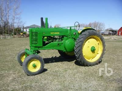 1950 JOHN DEERE A Antique Tractor