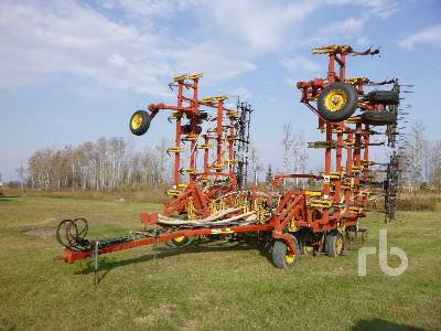 1994 BOURGAULT 8800 40 Ft Cultivator