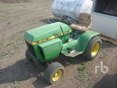 JOHN DEERE 214 Utility Tractor