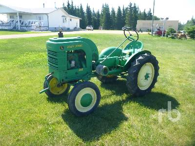 JOHN DEERE L 2WD Antique Tractor