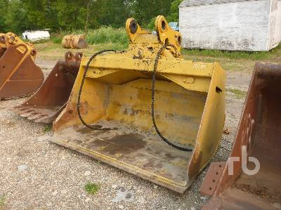 82 In. Hydraulic Tilting Excavator Bucket