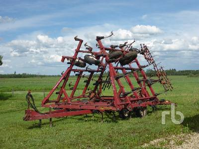 INTERNATIONAL 4600 30 Ft Cultivator