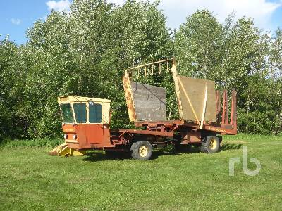 NEW HOLLAND 1049 Self Propelled Bale Wagon