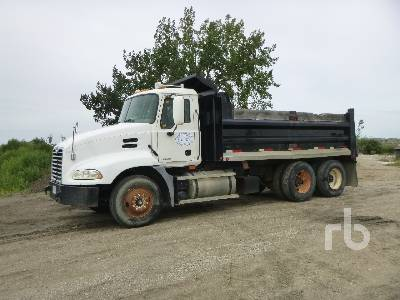 2005 MACK CXN613 Dump Truck (T/A)