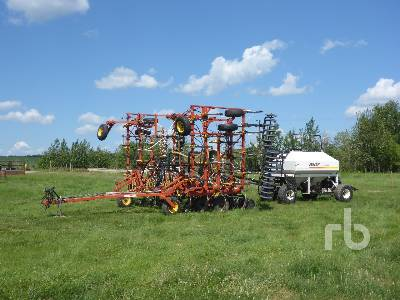 1997 BOURGAULT 8800 36 Ft Air Drill