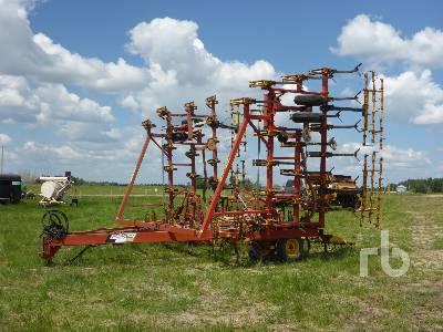 BOURGAULT COMMANDER 34-38 38 Ft Cultivator