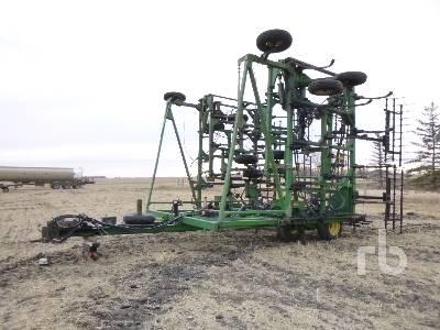 JOHN DEERE 1650 59 Ft Cultivator
