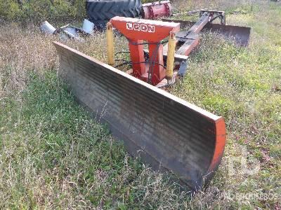LEON 1020 10 Ft 2 Way Tractor Blade