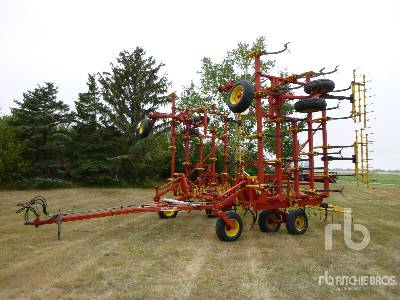 BOURGAULT 8800 40 Ft Cultivator