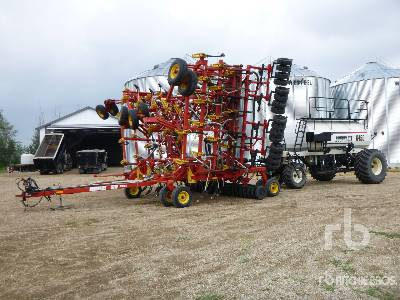 2005 BOURGAULT 5710 SERIES II 64 Ft Air Drill