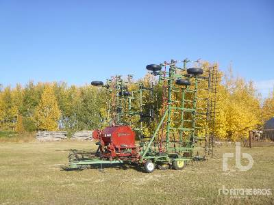JOHN DEERE E1000 45 Ft Cultivator